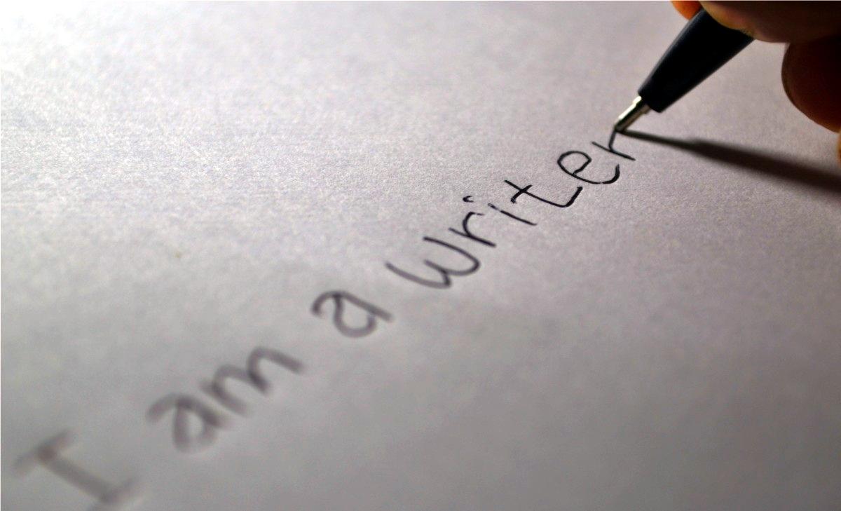 writer_writing_paper