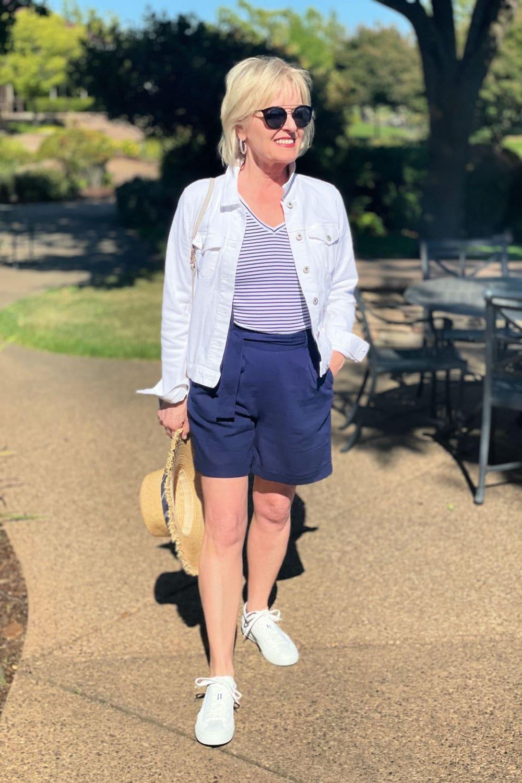 navy-linen-blend-shorts